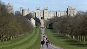 Британия, Виндзорский замок, королева Елизавета, забастовка, низкая зарплата