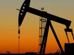 цена на нефть, Брент, выросли запасы, доллар США укрепляется