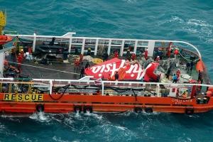 авиакомпания Air Asia, крушение самолета, происшествие, общество, малайзия, поиски самолета, индонезия, трагедия