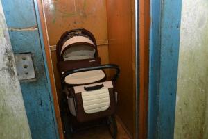 Москва, смерть, 10-месячный мальчик, лифт, зажало коляску, происшествия, общество