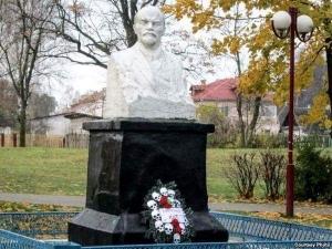 беларусь. памятник ленину, венок, общество, происшествия