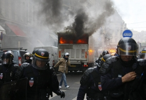 франция, протесты, беспорядки, нанта, бордо, полиция