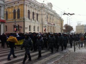 харьков, консульство, россия, марш, беспорядки, петарды