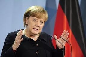 меркель, германия, протест, отставка, видео, митинг, беженцы, политика, общество