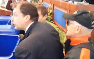 Черкассы, депутат, майдановцы, мусорный бак, активисты