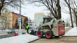минск, переговоры, ГАИ, дворники чистят улицы, сугробы, парковка, радио Свабода