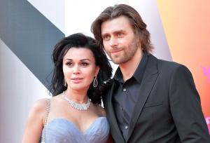 Анастасия Заворотнюк, дочь Анна, день рождения, черныше не приехал