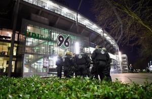 германия, мерель, нидерланды, матч, игра, футбол, полиция