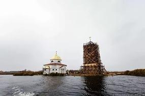чудо, видео, общество, мексика, церковь вышла из-под воды, старинный храм