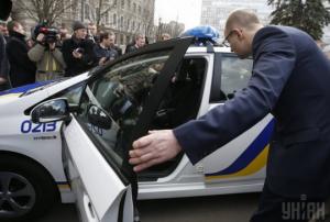 яценюк, аваков, полиция, мвд украины, украина, новые авто, машины, милиция