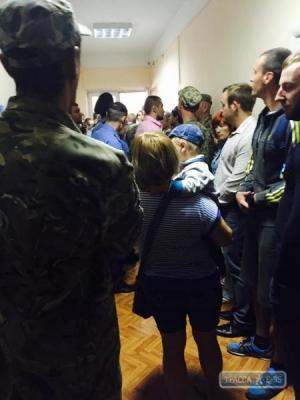 Ильичевск, драка, горсовет, происшествия, АТО, армия украины