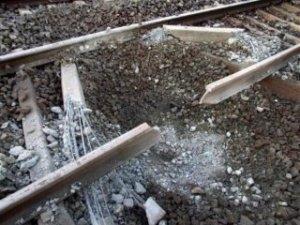 Донбасс, взрыв, железная дорога, еленовка, рельсы
