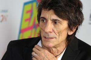 медицина, онкология, операция рак, Ронни Вуд, The Rolling Stones, гитарист, шоу-бизнес, рак легких, болезнь