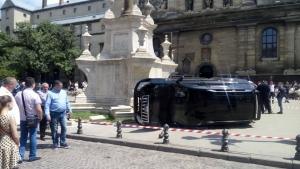 львов, костел, иномарка, наезд, погибшая, водитель, авария, дтп, происшествия, новости украины, полиция