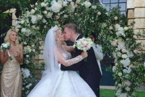 Алина Гросу, муж Алины Гросу, певица, артистка, исполнительница, свадьба, свадебное путешествие, жара, соцсети, общество, элита, цена