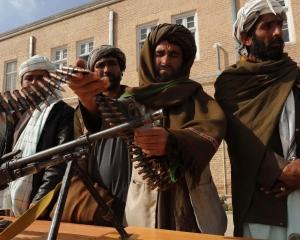 боевики, пакистан, захват училища