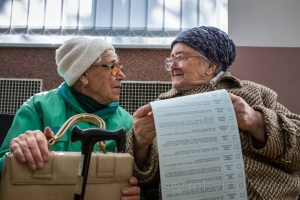 выборы, ценз, порошенко, петиция, бабки, старики, голосование, 65 лет