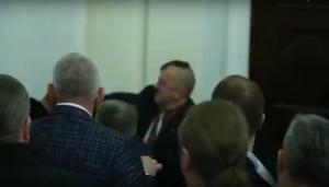 Драка, в Верховной раде, Свобода. слуга народа, Богданец, Мирошниченко, Кайда,законопроект, земля