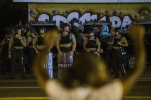 Фергюсон, Миссури, чрезвычайное положение, протесты, сша, сент-луис