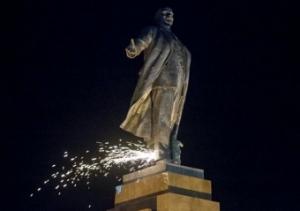 Памятник Ленину, общество, демонтировали, Орехов, новости, Запорожье, Украина