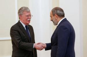 армения, пашинян, болтон, сша, трамп, россия, оружие, скандал