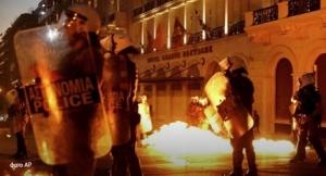 греция, акция, протеста, парламент, активисты, коктейль, молотова