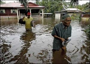 малайзия, наводнение, беженцы
