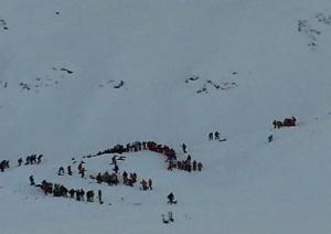 Альпы, лавина, Франция, пострадали школьники, погиб подросток, общество