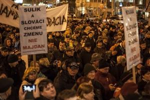 фицо, словакия, протест, премьер-министр
