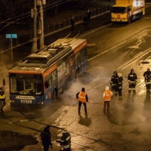 Россия, Москва, Происшествия, троллейбус, авария, люди