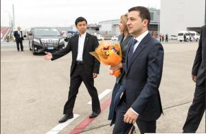 Украина, политика, зеленский, визит, япония, кадры, елена, супруга, встреча