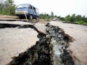 Индонезия, землетрясение, происшествия, общество, Китай, теракт