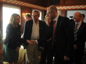 яценюк, кабинет министров, политика, общество, G7