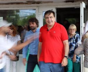 Саакашвили, Винницкая область, облили зеленкой, встреча с избирателями