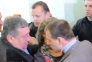 хмельницкая ога, драка, администрация президента, александр корничйчук, политика, происшествия, видео, украина