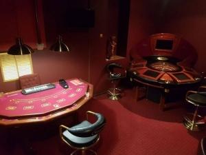 Донецк захват подпольного казино куда отдают конфискованные игровые автоматы