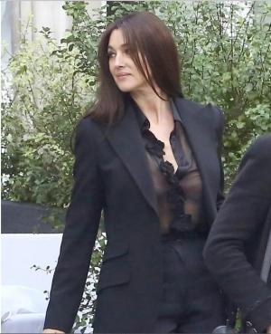 моника беллуччи, блузка