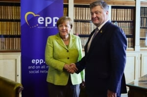 евросоюз, порошенко, меркель, россия, туск, санкции, минские соглашения