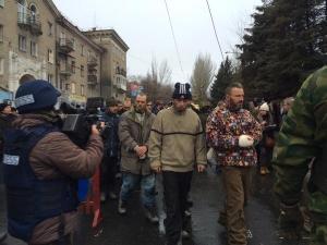 Обстрел, автобус, Донецк, парад, пленные, АТО, Захарченко, ДНР, силы,