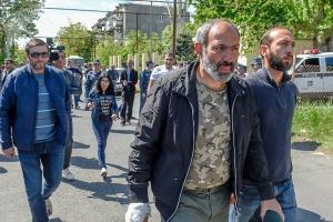 никол пашинян, протесты армении, парламент армении,