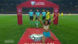 Фемен, матч Украина-Турция в Харькове, футбол, происшествия