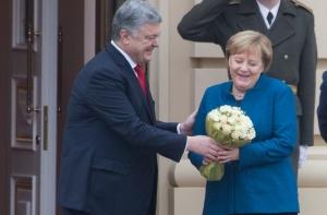 порошенко, меркель, киев, переговоры, букет, волох