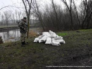 украина, река ворскла, сало, мешки, пограничники, контрабанда