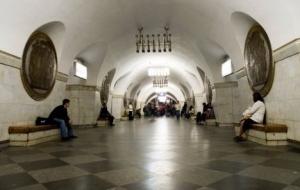 Киев, метро,станция, закрыта, сообщение, минирование, входы.