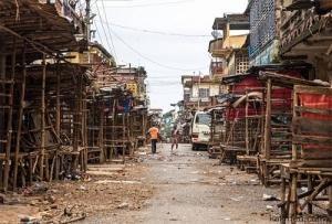 Сьерра-Леоне, Эбола, жителям запретили покидать дома, Эрнест Бай Корома, распоряжение