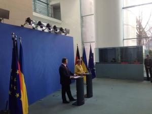 порошенко, меркель, политика, германия, общество