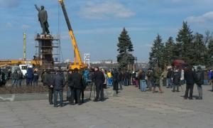 запорожье, памятник Ленину, снос, демонтаж, видео, декоммунизацияви, политика
