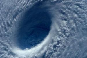 """тихий океан, тайфун """"майсак"""", филиппины"""