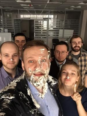 алексей навальный, москва, торт, происшествия, нападение. оппозиция