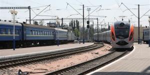 поезд киев-днепропетровск, бомба, минирование поезда, эвакуация пассажиров, происшествия, украина